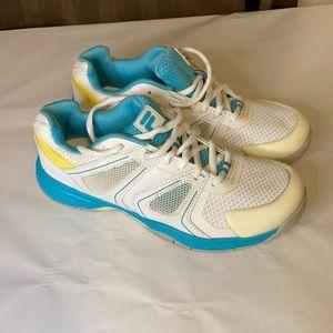 Women's Fila Athletic Shoes size 6